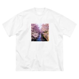 はるうらら Big silhouette T-shirts