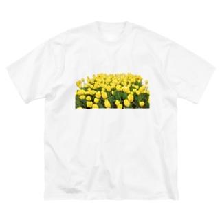 きいろい ちうりっぷ Big silhouette T-shirts