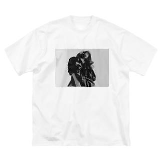 愛デザイニングWORLD Big silhouette T-shirts