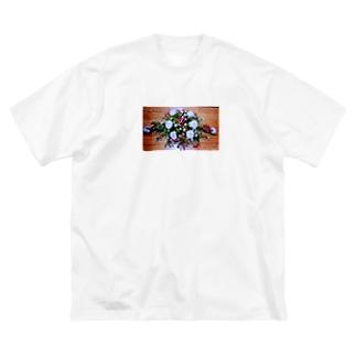 ソフィフラワー Big silhouette T-shirts