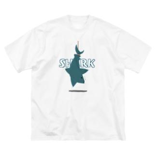 サメ Big silhouette T-shirts