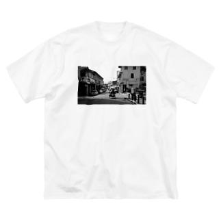 東南アジアまち歩き〜ペナンの物売り Big silhouette T-shirts