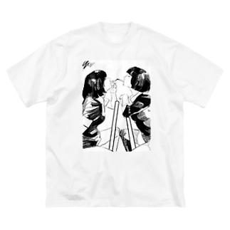 山科ティナのシガーキス Big silhouette T-shirts