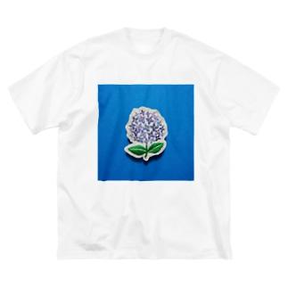 刺繍のアジサイ Big silhouette T-shirts