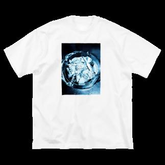 tananashoの持ってたらメンヘラっぽい青 Big silhouette T-shirts