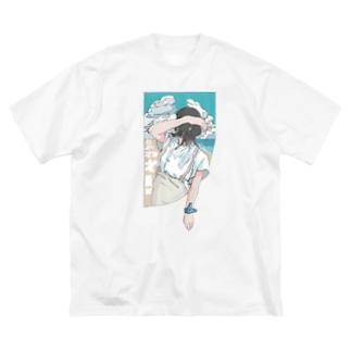 夏🦑 Big Silhouette T-Shirt