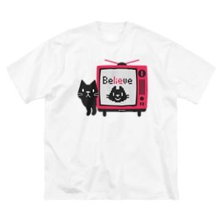 黒猫のテレビに出るにゃー*L配置 Big T-shirts