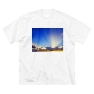 ごこう Big silhouette T-shirts