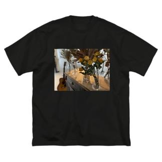 ドライフラワー Big silhouette T-shirts