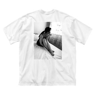 日常の向こうのニュアンス scene2 Big silhouette T-shirts