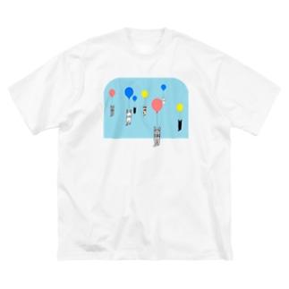 ベタですみません。風船 Big silhouette T-shirts