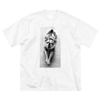 モノクロチワワ(あくび) Big silhouette T-shirts