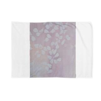桜 今栄りなり Blankets