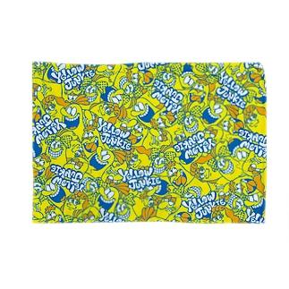 YELLOW JUNKIE キャラ総柄(わちゃわちゃカラフルver.) Blankets