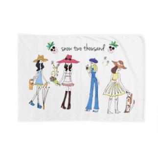 HAPPY GIRLS Blankets