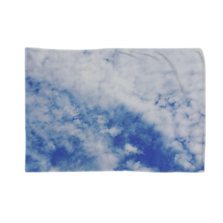 雲 Blankets