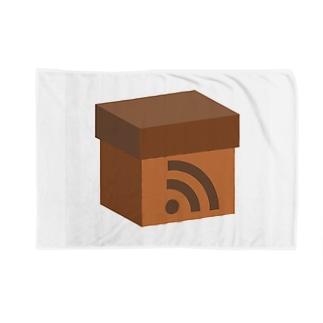 電波ダンボール Blankets