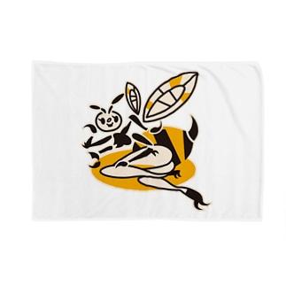 蜂ガール Blankets
