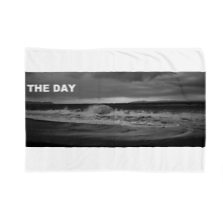 THE DAY Blankets