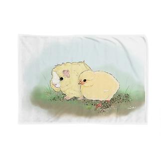 (白地)ちいさなモルモットちゃんとちいさなヒヨコちゃん Blankets