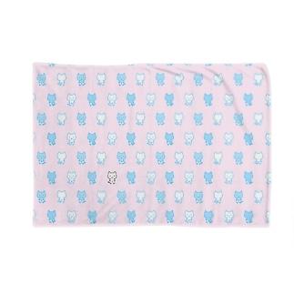 ねこぱんつ柄ピンクと水色 Blankets