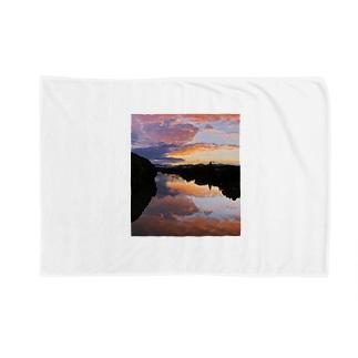 IRUMA_River TOYOMIZU Blankets