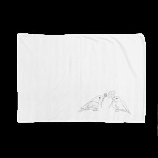 Lily bird(о´∀`о)のセキセイインコと文鳥とクローバー モノクロ② Blankets