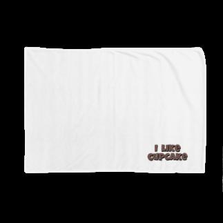 sun_reemのi like cupcake     Blankets