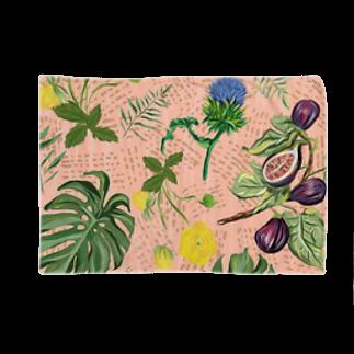 Tania NobukovskiのBOTANICAL PINK Blankets
