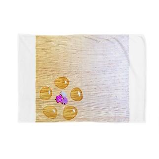 ginkgo sugar flower Blankets