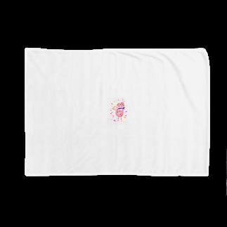 manamanawaruのアカワルビロ Blankets