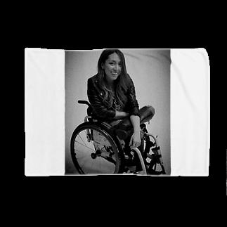 中嶋涼子の車椅子ですがなにか?!の白黒で笑ってるよシリーズ Blankets