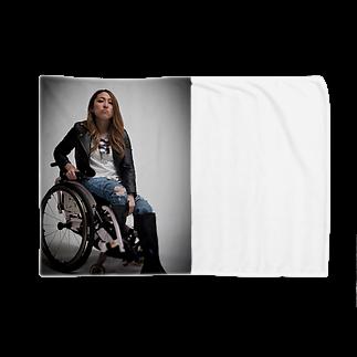 中嶋涼子の車椅子ですがなにか?!のロゴなしシリーズ Blankets