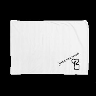 MMrisamorのjust married Blankets