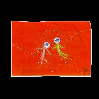 くらたまみの赤い糸を連れた魚たち Blankets