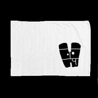 bocoxodesignShopのalphabetMONSTAR【H】 Blankets