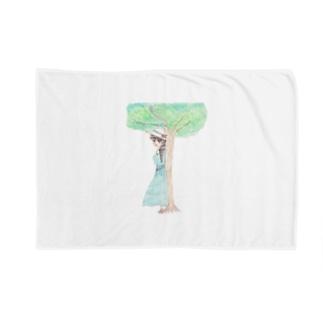 木陰で休む少女 Blankets