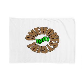 ONEHONESTGIRL Blankets