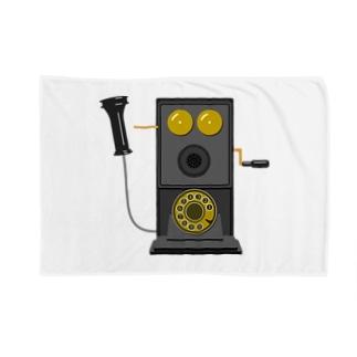 レトロな片耳受話器の片耳受話器の壁掛け電話(デルビル磁石式電話機)のイラスト  黒 受話器外しver Blankets