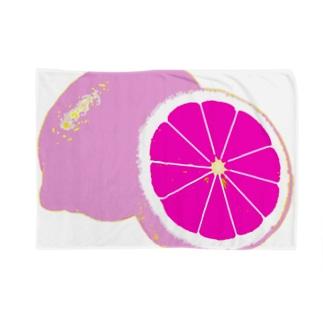 檸檬 pink Blankets