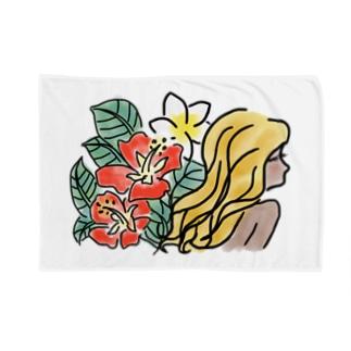 summer girl Blankets