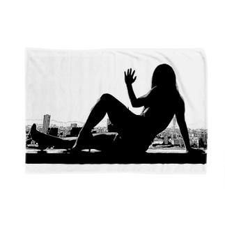 窓際のうの(白黒) Blankets