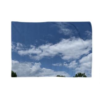 龍の顔っぽい雲 Blankets