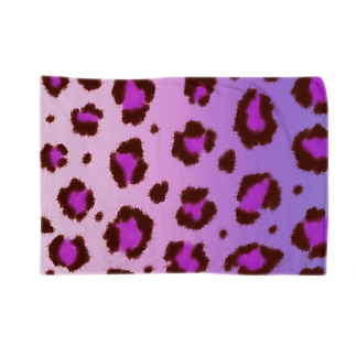 Pink leopard Blankets
