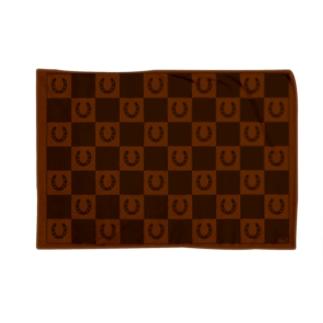 蹄鉄市松模様 茶 ブランケット Blankets