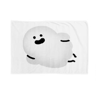 ゆるっと成仏/kanaheiの寝そべるおばけ(ほんのりグレー)ブランケット Blanket
