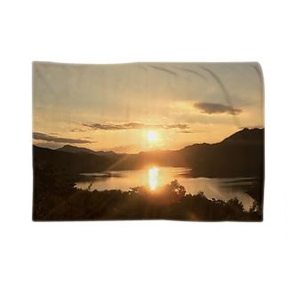 秋田の夕日 Blankets