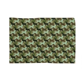 ラブラドール シルエット 迷彩柄 Blankets