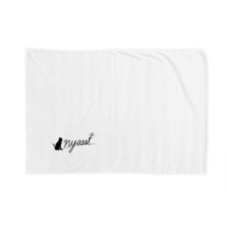 nyaaat公式ネコアイテム Blanket