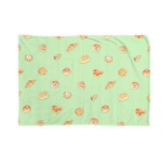 パン達color1 Blankets